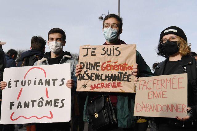 Des étudiants ont manifesté, ce mercredi, à Paris. /AFP/Alain Jocard