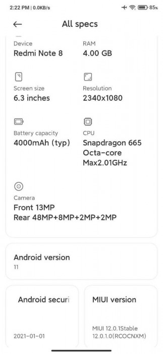 Xiaomi Mi Note 10 update changelog (left) and Redmi Note 8 post update (right)