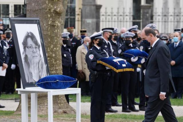 Jean Castex lors de la cérémonie d'hommage à Stéphanie Monfermé, agente administrative assassinée dans un commissariat de Rambouillet le 23 avril.