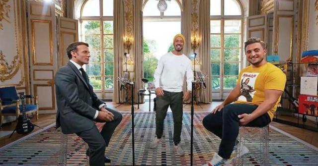 Capture d'écran montrant la vidéo de McFly et Carlito avec Emmanuel Macron au palais de l'Elysée, diffusée le 23 mai 2021.