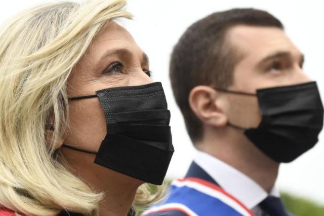 La présidente du Rassemblement national, Marine Le Pen, et son vice-président, Jordan Bardella, à Paris, le 1ermai 2021.