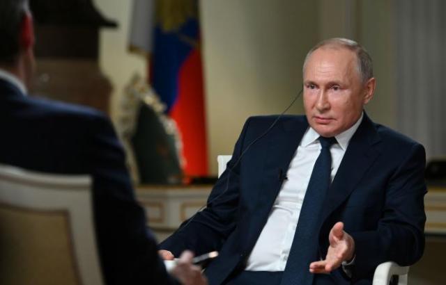 Le président russe Vladimir Poutine lors d'un entretien avec la chaîne américaineNBC News, le 11 juin à Moscou.