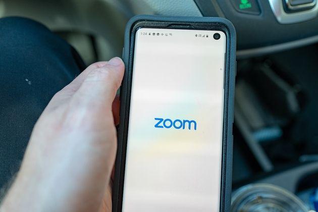 Traduction en direct: Zoom s'offre la start-up Kites