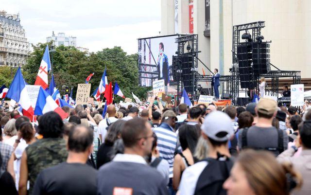 Le rassemblement contre le pass sanitaire organisé par le mouvement de Florian Philippot, les Patriotes, s'est déroulé dans une ambiance familiale, place du Trocadéro, à Paris, ce samedi. LP/Jean-Baptiste Quentin
