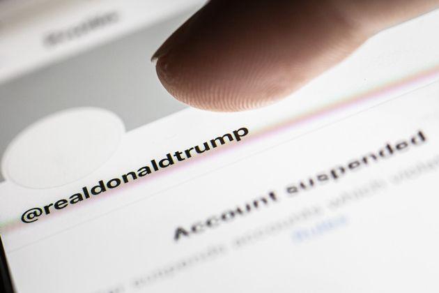 Donald Trump tout colère contre Twitter, Facebook, Google et leurs patrons