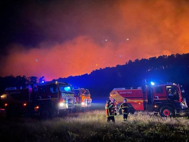 Plus de 850 hectares de végétation ont été brûlé depuis samedi dans l'Aude, dans le secteur de Moux.