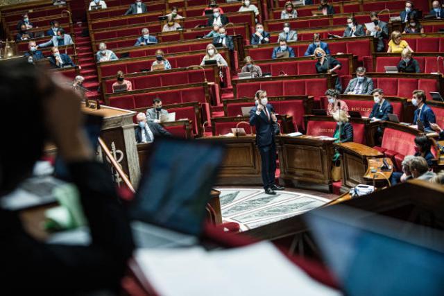 Discussion à l'Assemblée nationale du projet de loi relatif à la gestion de la crise sanitaire, le 21 juillet 2021.