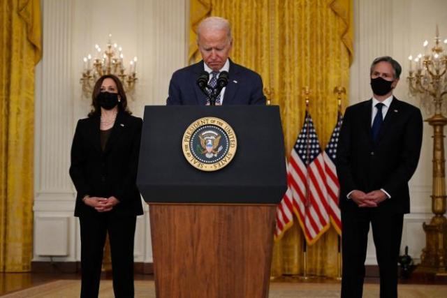 Joe Biden évoque les évacuations de citoyens américains en cours en Afghanistan, depuis la Maison Blanche, à Washington, le 20 août 2021.