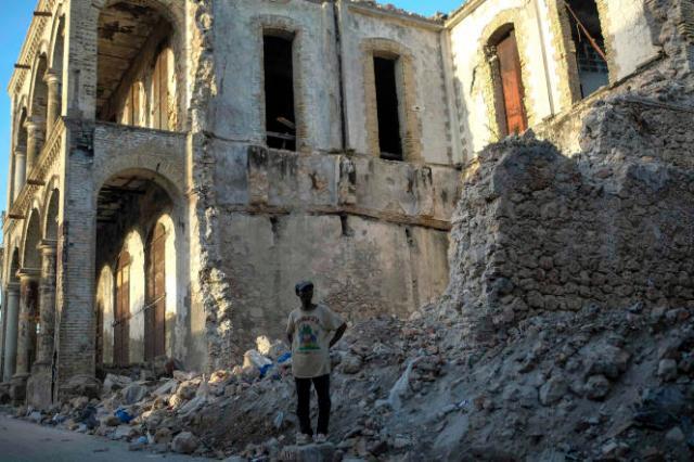 Un immeuble effondré à Jérémie, en Haïti, le 18 août.