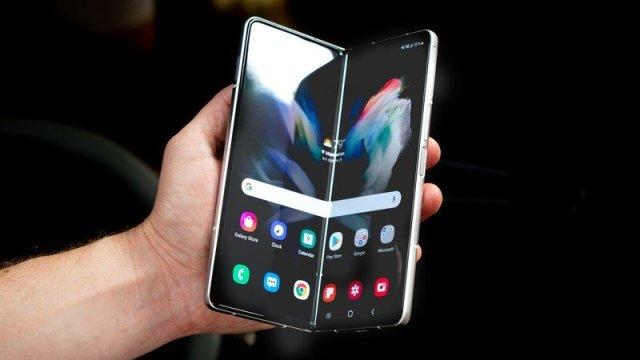 Samsung Galaxy Z Fold 3 169