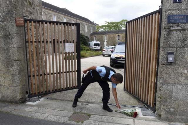 Devant les lieux du crime, à Saint-Laurent-sur-Sèvres, le 9 août 2021.
