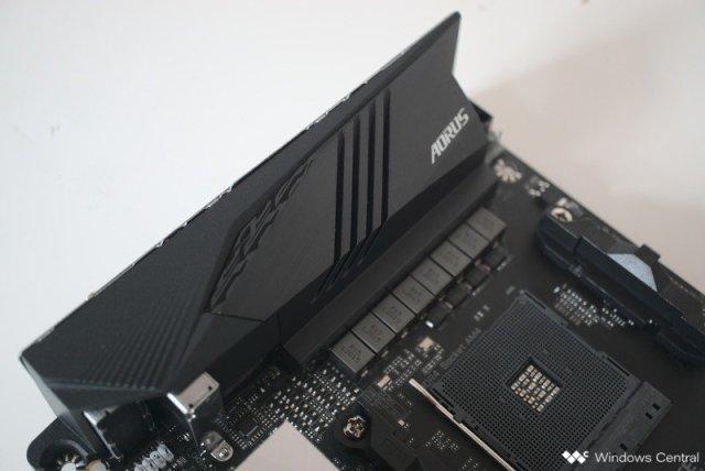 Gigabyte X570-I AORUS Pro Wi-Fi