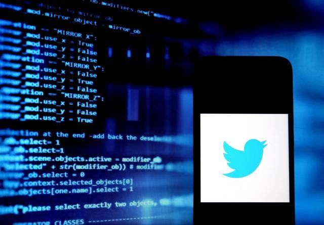 Twitter teste le signalement de tweets mensongers