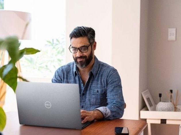 À la fois PC portable et poste de travail fixe, comment choisir son laptop hybride ?