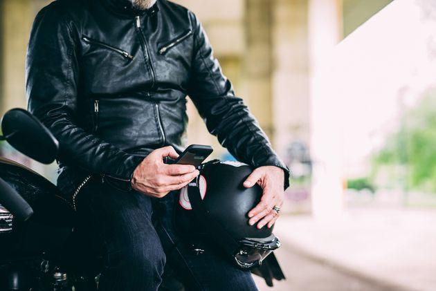 Apple prévient: iPhone et motos ne font pas bon ménage!