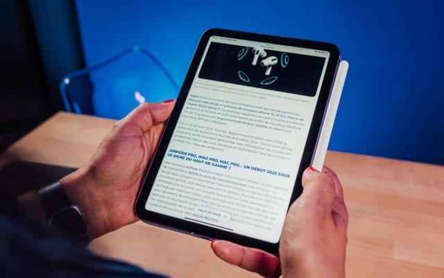 En défilement vertical, l'iPad mini6 souffre parfois d'un rafraichissement inégal de part et d'autre de son écran