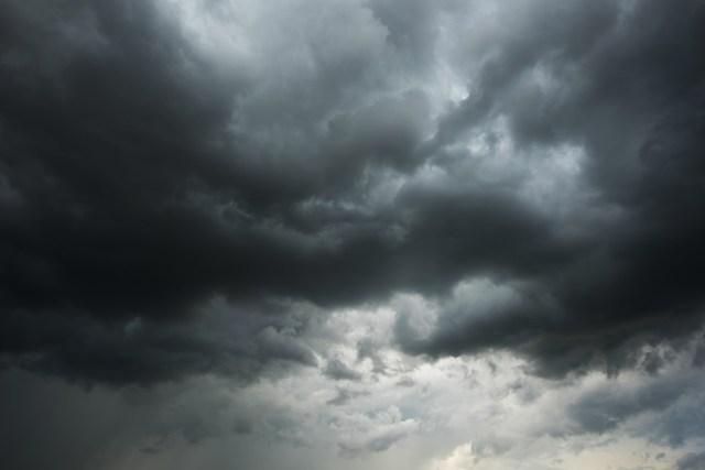 Le premier front orageux est attendu dans la nuit de mardi à mercredi