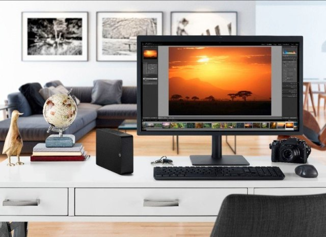 Seagate Expansion Desktop Hdd Lifestyle Image