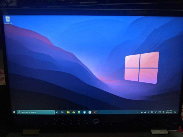 Windows 11 équipé de la barre des tâches de Windows 10. Le menu démarrer ne fonctionne pas