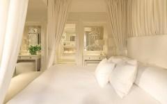 Blanc de Blanc Bedroom at Le Manoir