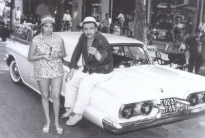 Fred Buscaglione e la sua Ford Thunderbird (Google)