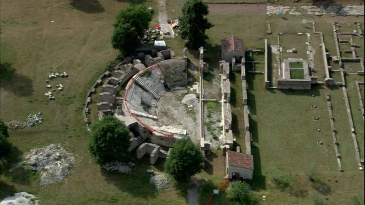 Siti-archeologici-in-Italia-Grumentum