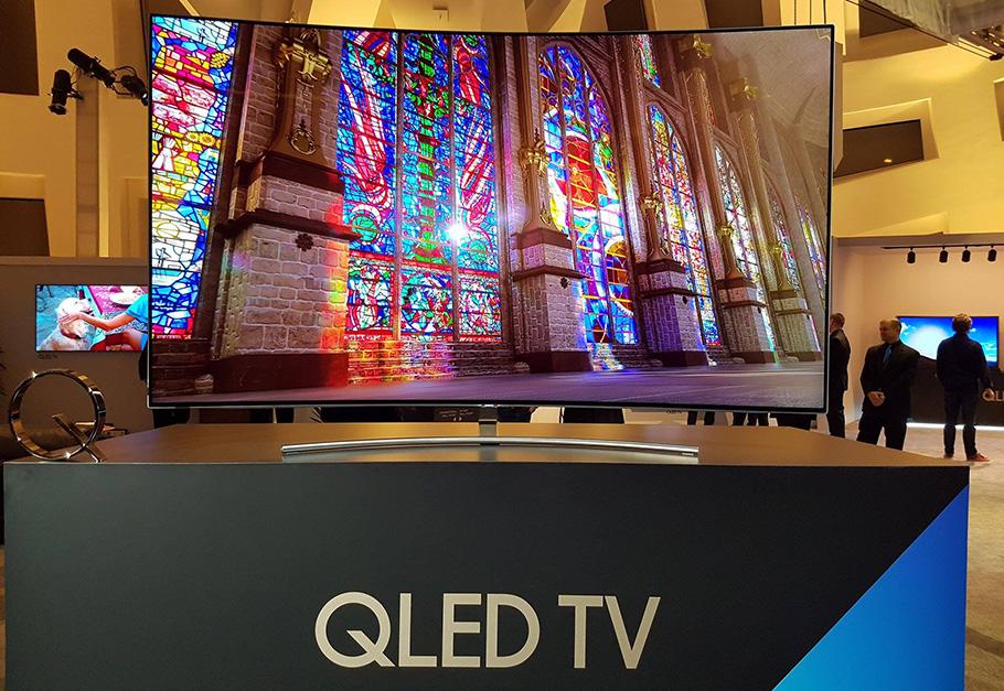 Samsungs 4K-Masterplan 2017: SUHD wird QLED und viel drumherum [CES]