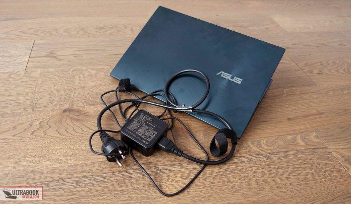 Asus ZenBook Duo UX481FL power brick