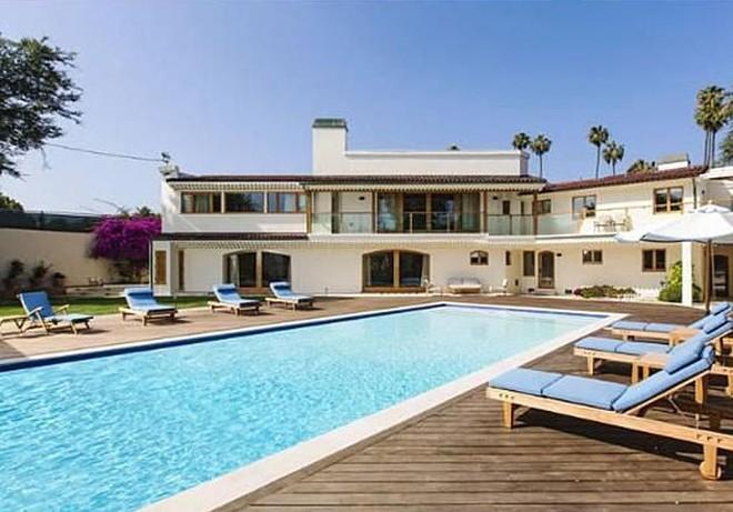 Bruce Willis' Beverly Hills Mansion up for sale $22 Million