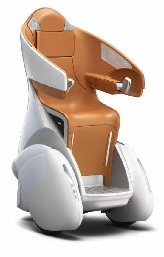 Toyota's i-REAL personal mobility concept