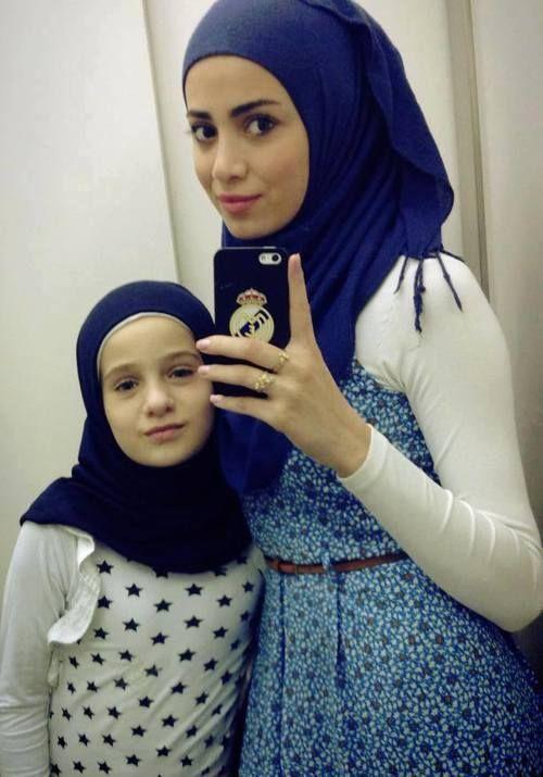 Beautful Hijab Girls With Their Cute Kids 4