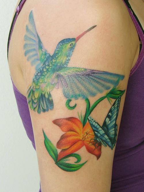 hummingbird-tattoo arm