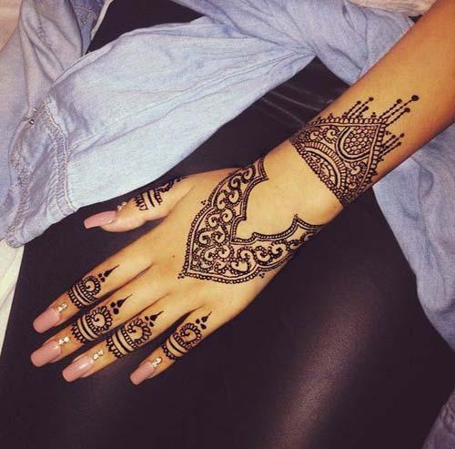 black Henna Mehndi Designs For Hands