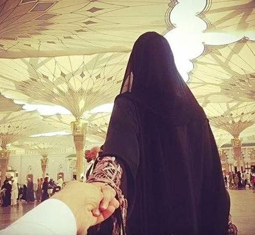 couple selfies in makkah