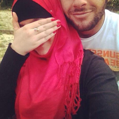 hijab couple selfies