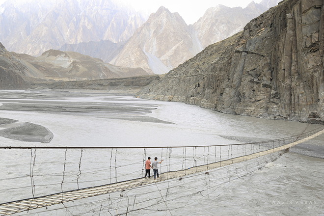 hunza valley water pictures