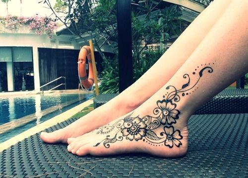 beautiful simple mehndi designs for feet