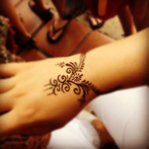 easy henna designs for wrist