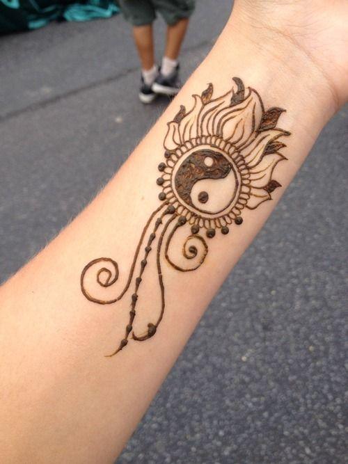 simple henna design for wirst