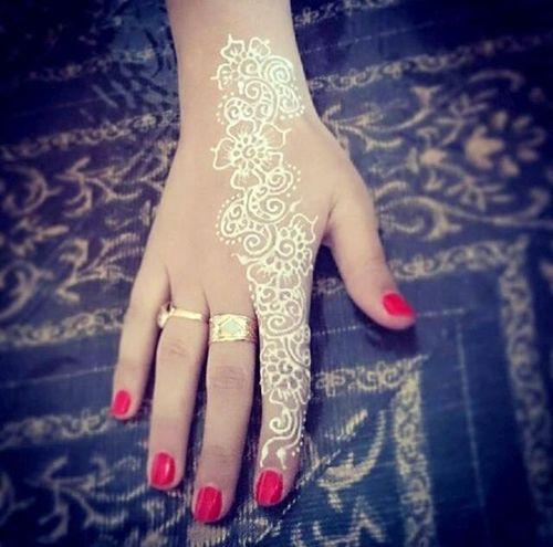 white simple henna designs for finger
