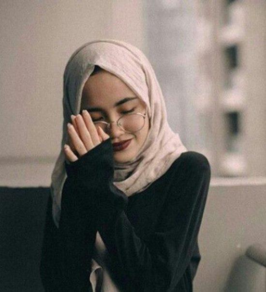cute muslim hijab girl dp