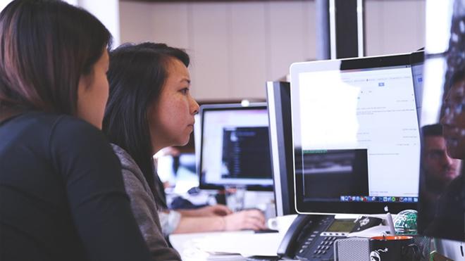 Web-Designing-Company-vs-Freelancer
