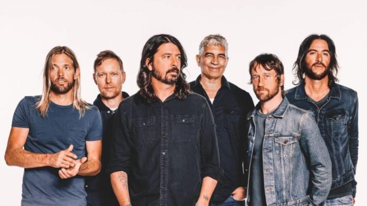 Foo Fighters aposta no groove em Medicine at Midnight