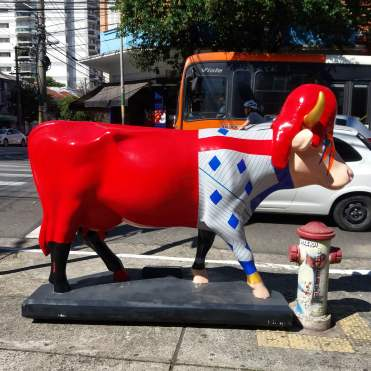 A vaca: Cow Bowie, da artista Paola Lopes.