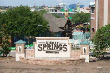 Disney Springs inaugura o novo Town Center | Um bilhete, por favor.