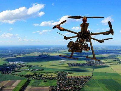 drone in volo droni