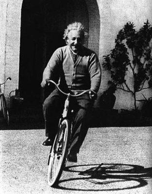 einstein bicicletta