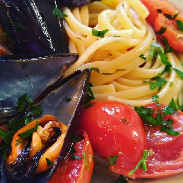 linguine cozze e pomodorini