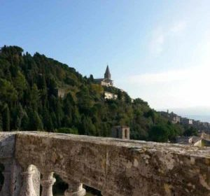 A Todi: dalla libroterapia ad Alice nel paese delle  meraviglie