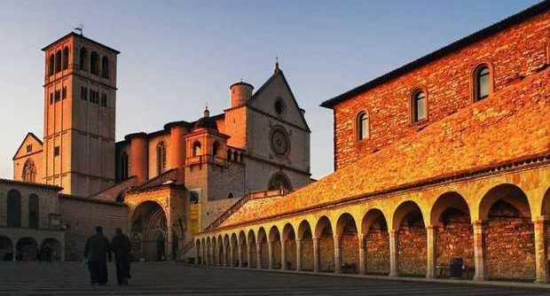 Coronavirus Umbria, gli 8 novizi positivi di Assisi arrivano dalla Francia